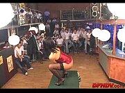 Смотреть видео девушки в стрингах раздеваются киски лесбиянки