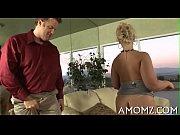 Русскую бабу с длинной косой на диване порно
