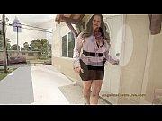 Девушка сосет членс офигенным маникюром видео