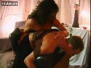 Оральный секс девушки ласкают член парня при трусах