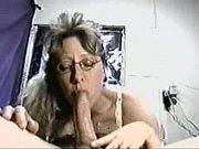 Смотреть онлайн видео как мама сочной попой соблазнила сына