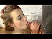 Пухлые стоячие саски девок фото