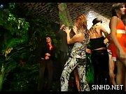 Смотреть порно видео групповой камшот