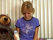 Девушка и девушка порно кино зора бэнкс