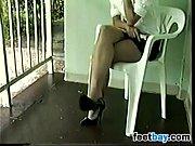 Китаянку связали и ласкают ее клитор порно ролик