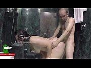 Русская девушка лижет яйца порно