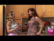 Секс видео с мамой кончил в нутрь
