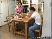 Мать совращает своего собственного сына и трахается с ним смотреть онлайн