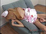 Русская девушка пихает шары в писку смотреть