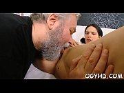 Истязание мужских половых органов порно