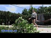Жена танцует стриптиз а муж лапает ее порно