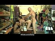 Порно видео муж двухсторонний страпон