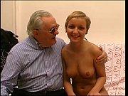 Порно видео сына с дочкой и мамашей