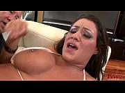 Порноролики молодой пацан ебет взрослую соседку пока нет мужа