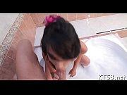 Чулки на девушках апскирт видео