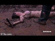 Девушка с огромными сиськами разделась видео
