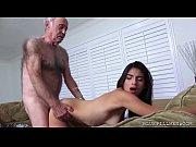 Порно парень лижет пизду двум женщинам часное видио