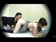 外国人の男性とSEXしてるのを隠撮されちゃう無料アダルト動画