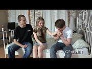 Секс на русском языке отца и дочки с презирвативом
