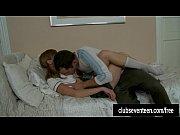 Секс с двумя женщинами и мужчиной видео