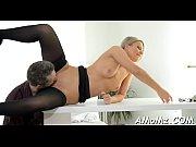 Короткое порно кончают толпой в одну письку
