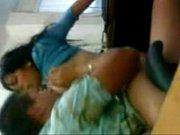 Видео госпожа превратила своих рабов в подстилку для своих ног