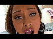 Видео жена любит трахаться с тремя сразу
