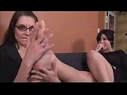 Порно видео маму ебут группой в жопу