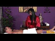 На кровати голая девушка с мохнатой пиздой видео