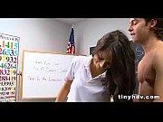 негр ебет жену у мужа на глазах видео