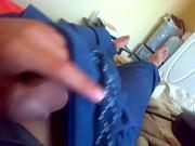 Порно видео два мужика трахают девушку