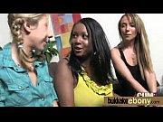 Секс в общаге на красном диване видео