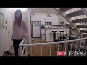 Зашел в гости и трахнул жену друга видео смотрет