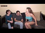 Сестра подглядывает за братом порно