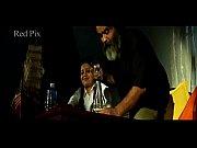 Инцест папа с дочкой играют в карты на раздевание