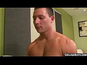 Смотреть порно онлайн трансвеститы кончают в рот мужикам
