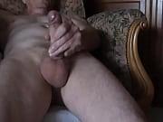 Снято скрытой камерой мастурбация и оргазм в ванной комнате