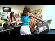 Порно видео кончил в жопу трансу