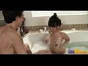 порно, мужик в женской юбке