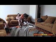 Девушки мастурбируют в клубах видео смотреть