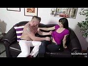 Негр толстым членом трахает блондинку