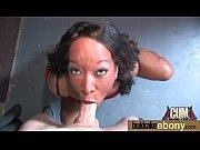 Видео с груди девушки течет много молока