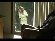 Молодая русская женщина мокрые трусики возбуждение видео
