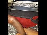 Порно девушка села на лицо мужика куни