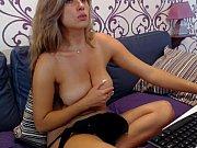 Смотреть порно сын залез к маме под юбку языком