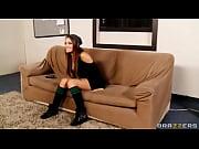 Мастурбация девушки стоя видео