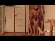 Русская женщина мастурбирует перед скайпом