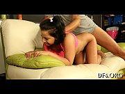 Девушка в обтягивающих штанах порно видео