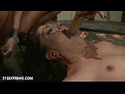 Порно онлайн кунилингус под столом начальницы