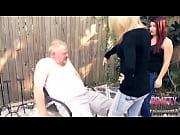 Лизбиянки лижут соски друг другу порно видео